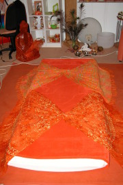 Es ist Bereit zur Massage  Wellness Tantra Entspannung Yonimassage Yoniheilmassage Lingammassage Wohlfühlen